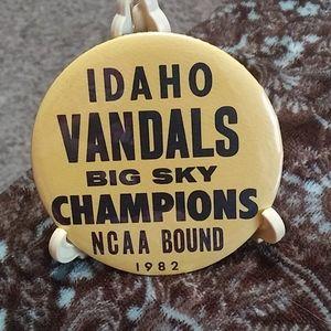 Idaho Vandals 1982 Big Sky Champion pinback button